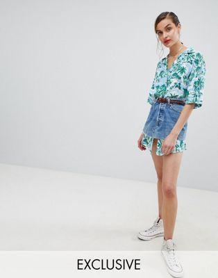Reclaimed Vintage Revived – Jeansrock mit Hawaiihemd-Design, Kombiteil