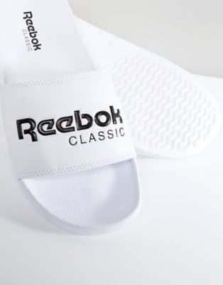 Reebok Classic - Slippers in wit bs7417