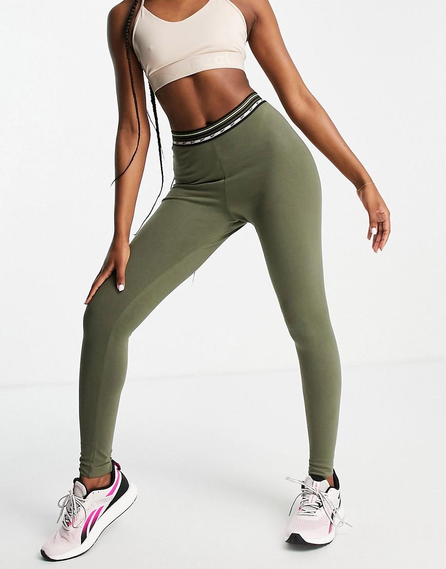Reebok - Højtaljede leggings i khaki-Grøn