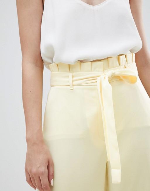 River Island - Pantaloni Cropped Gialli A Fondo Ampio Allacciati In Vita