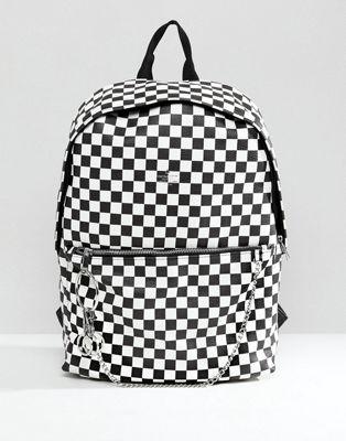 Рюкзак из искусственной кожи с шахматным принтом ASOS