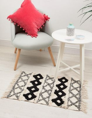 Sass & Belle - Tappeto a rombi con nappe