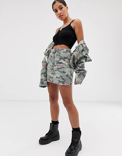 Signature 8 camo denim mini skirt