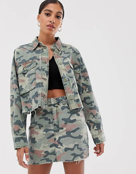 Signature 8 cropped camo denim jacket