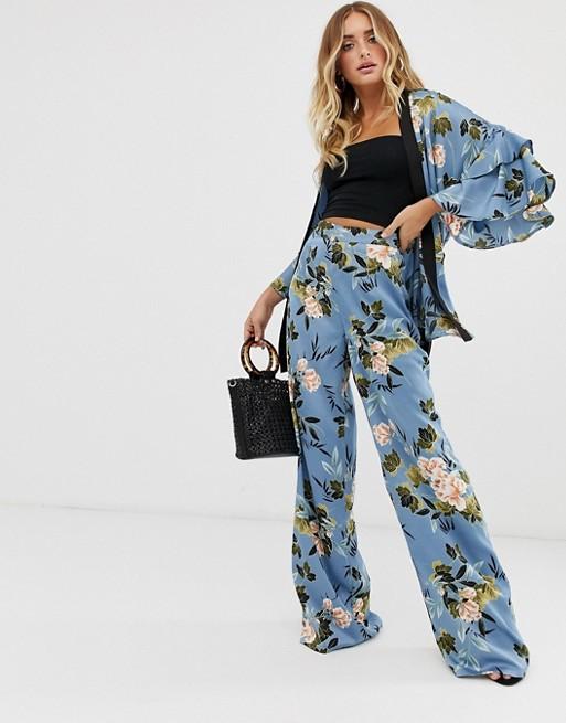Изображение 1 из Синие атласные брюки с широкими штанинами от комплекта с цветочным принтом Missguided