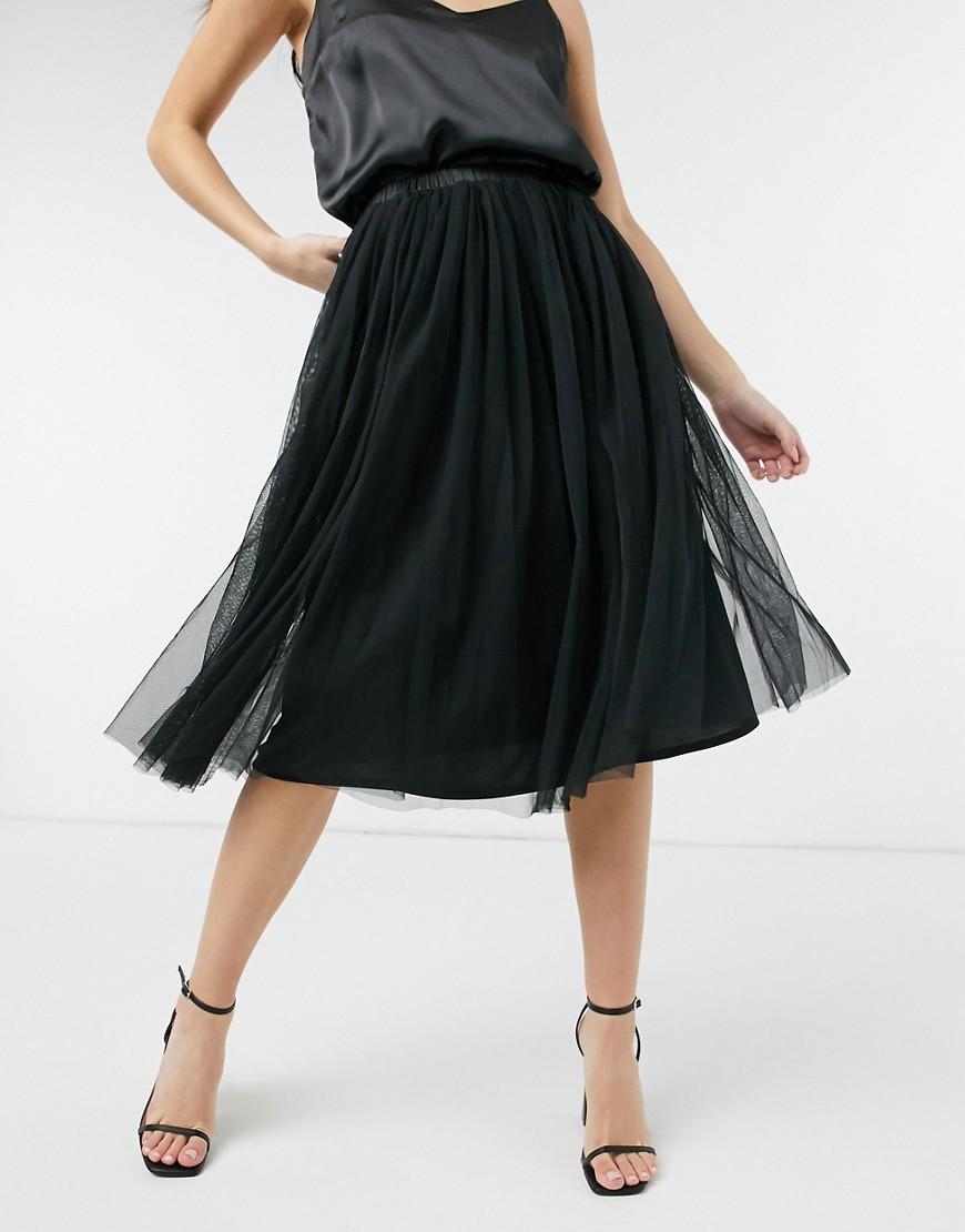 Sort midi nederdel i tyl fra Lace & Beads