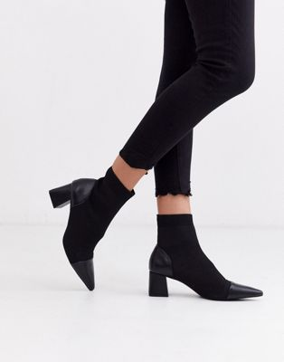 Stradivarius Contrast Toe Kitten Heel Pull On Boots In Black by Stradivarius'