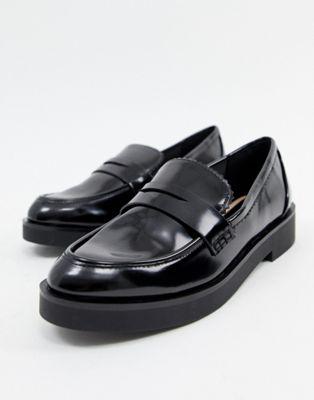 Stradivarius patent loafer