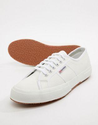 Superga – 2750 – Klassische Lederschuhe in Weiß