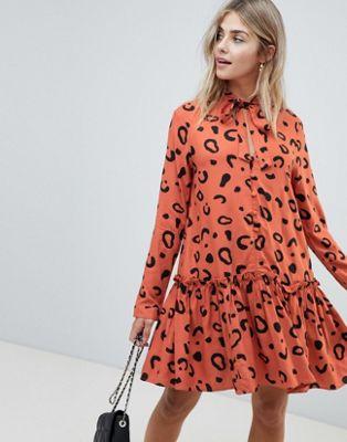 Свободное платье мини на пуговицах с завязкой и леопардовым принтом ASOS DESIGN