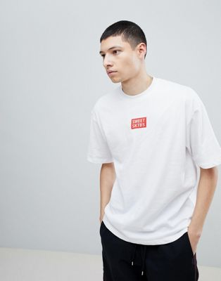 SWEET SKTBS T-Shirt With Chest Logo Print In White