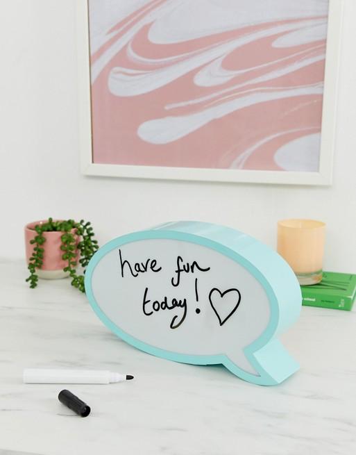 Bild 1 av Talking Tables – Lampa och penna med pratbubbla
