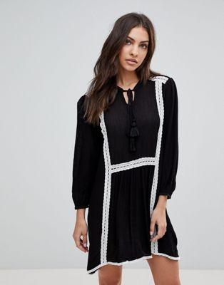 The English Factory Långärmad smock klänning med spets detaljer och underklänning