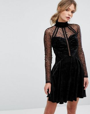 Three Floor Mini Velvet Dress with High Neck and Sleeves in Lace