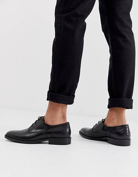 Tommy Hilfiger Essential Lace Up Leather Derby Shoes in Black