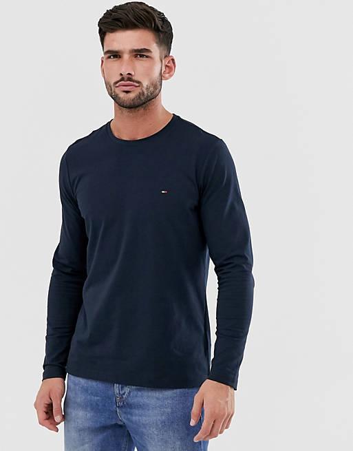 Tommy Hilfiger – Marinblå långärmad t-shirt med smal passform och klassisk logga