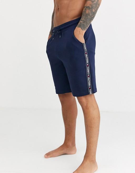Tommy Hilfiger - Short confort authentique avec bandes griffées sur les côtés - Bleu marine