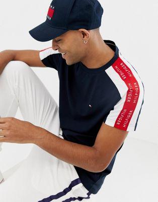 Bild 1 von Tommy Hilfiger – Sports Capsule – Marineblaues T-Shirt mit seitlichem Logoband