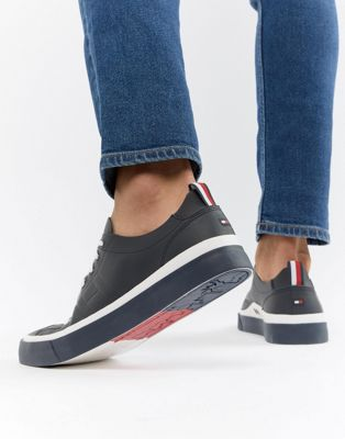 Tommy Hilfiger Unlined Low Cut Lightweight Leather Trainers in Navy