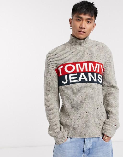 Tommy Jeans - Pull col roulé en maille avec empiècement à logo - Crème