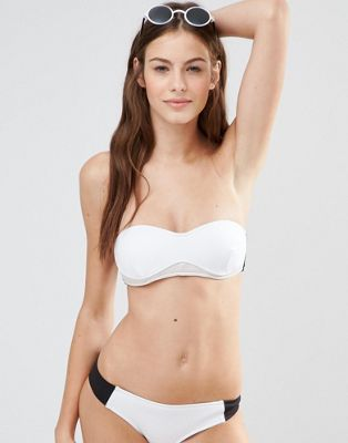 Top de bikini palabra de honor colour block de Stella McCartney