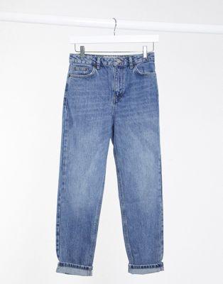 Topshop– Saubere Mom-Jeans in verwaschenem Mittelblau