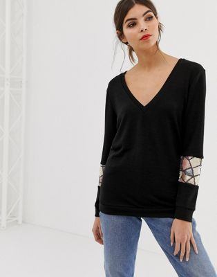 Traffic People V Neck Long Sleeve Jumper With Sequin Detail