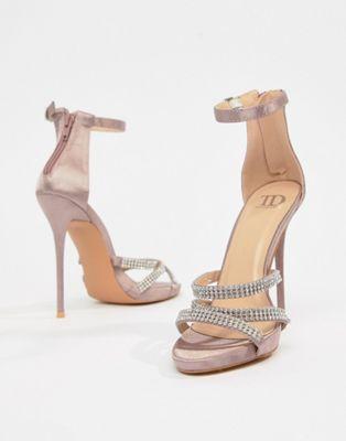 Bild 1 av True Decadence – Blush – Utsmyckade sandaler med remmar i satin