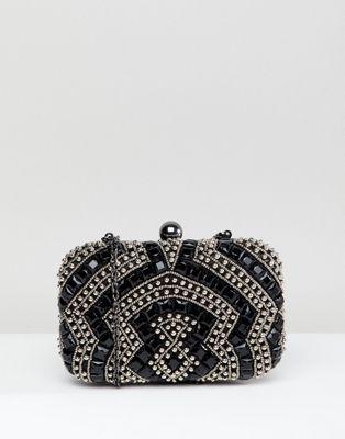 True Decadence – Svart fyrkantig kuvertväska med pärlutsmyckningar