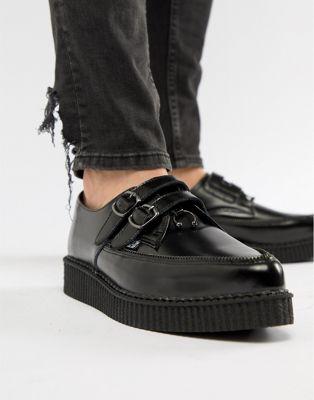 T.U.K - 2 - Leren schoenen met rits, gesp en crêpezolen