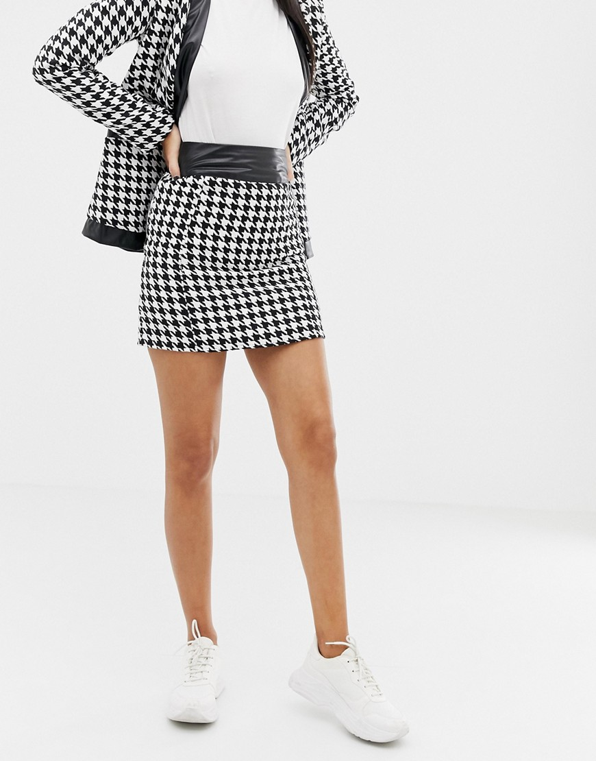 Unique21 Dogtooth Mini Skirt With Pu Trim by Unique 21