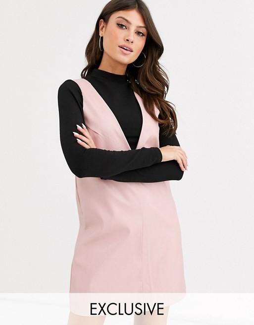 UNIQUE21 – Sukienka bez rękawów typu shift z imitacji skóry