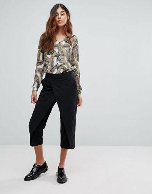 Vero Moda – Byxor med lager