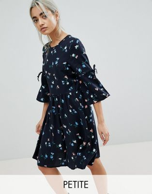 Vero Moda Petite Ditsy Printed Skater Dress With Tie Sleeves