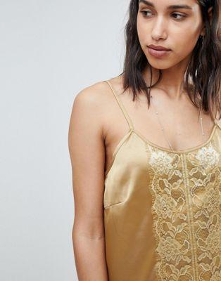 Vestido camisola ceñido con detalle de encaje de Sofie Schnoor