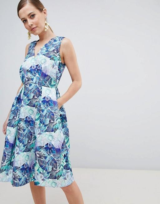 Imagen 1 de Vestido con estampado floral de Closet London