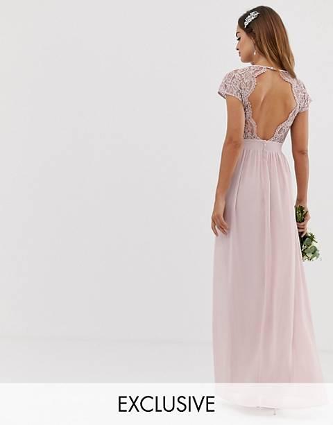 Vestido de dama de honor de encaje festoneado color bisón con espalda abierta exclusivo de TFNC