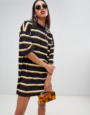 Vestido extragrande estilo camiseta a rayas de Boohoo