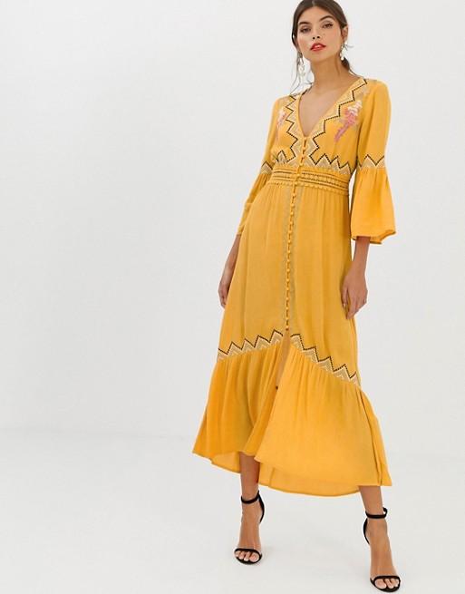 Imagen 1 de Vestido largo con aplicación de encaje y bordados de ASOS DESIGN