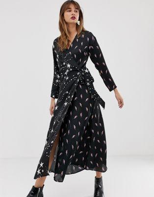 Vestido largo cruzado con estampado de estrella y rayo de ASOS DESIGN