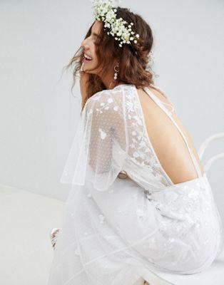 Vestido largo de boda con mangas acampanadas y bordados de ASOS EDITION