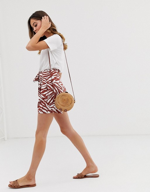 Warehouse - Short met riem en zebraprint