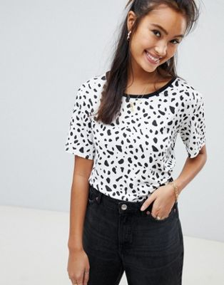 Wednesday's Girl - T-shirt comoda con stampa a pois stile dalmata