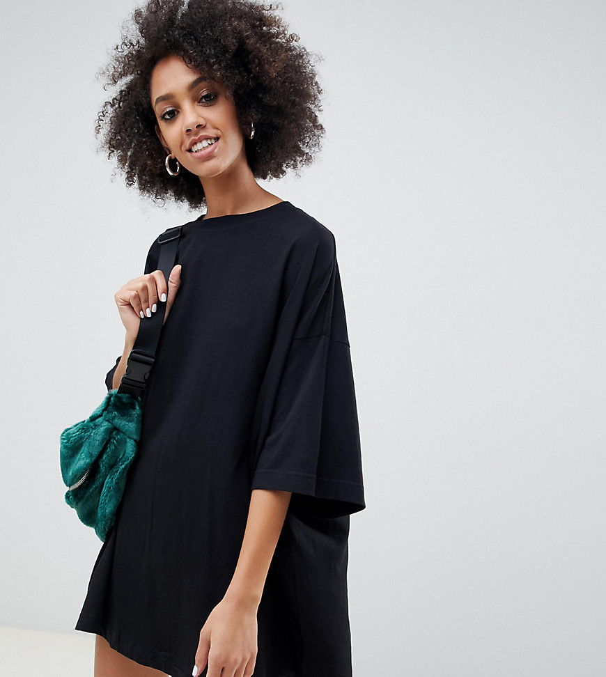 Weekday - Huge - Sort T-shirt-kjole i økologisk bomuld