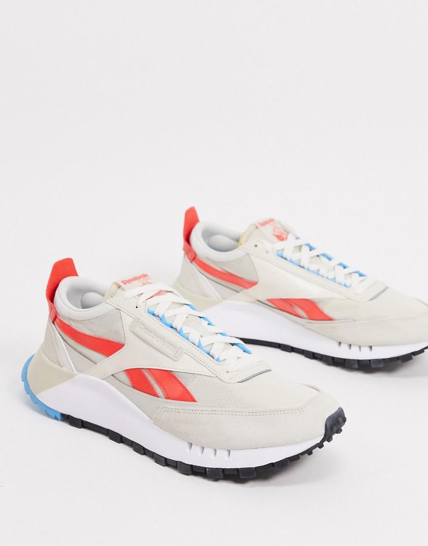 Zapatillas en color huesoClassic Legacy deReebok-Blanco