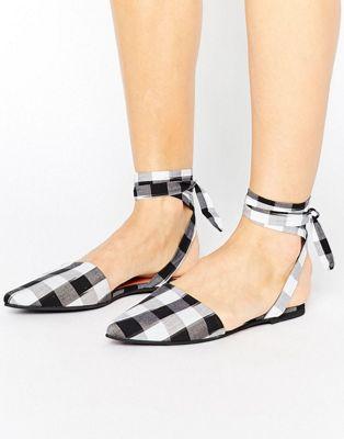 Zapatos de vichy con puntera en punta y lazada en el tobillo de Park Lane