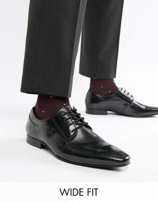 Zapatos Derby con cordones en negro ultrabrillante de Dune Wide Fit