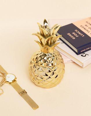 Золотистая подставка под украшения в виде ананаса Sass & Belle
